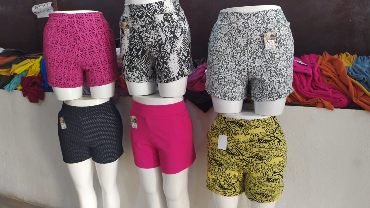 Shorts plus size, diversas estampas