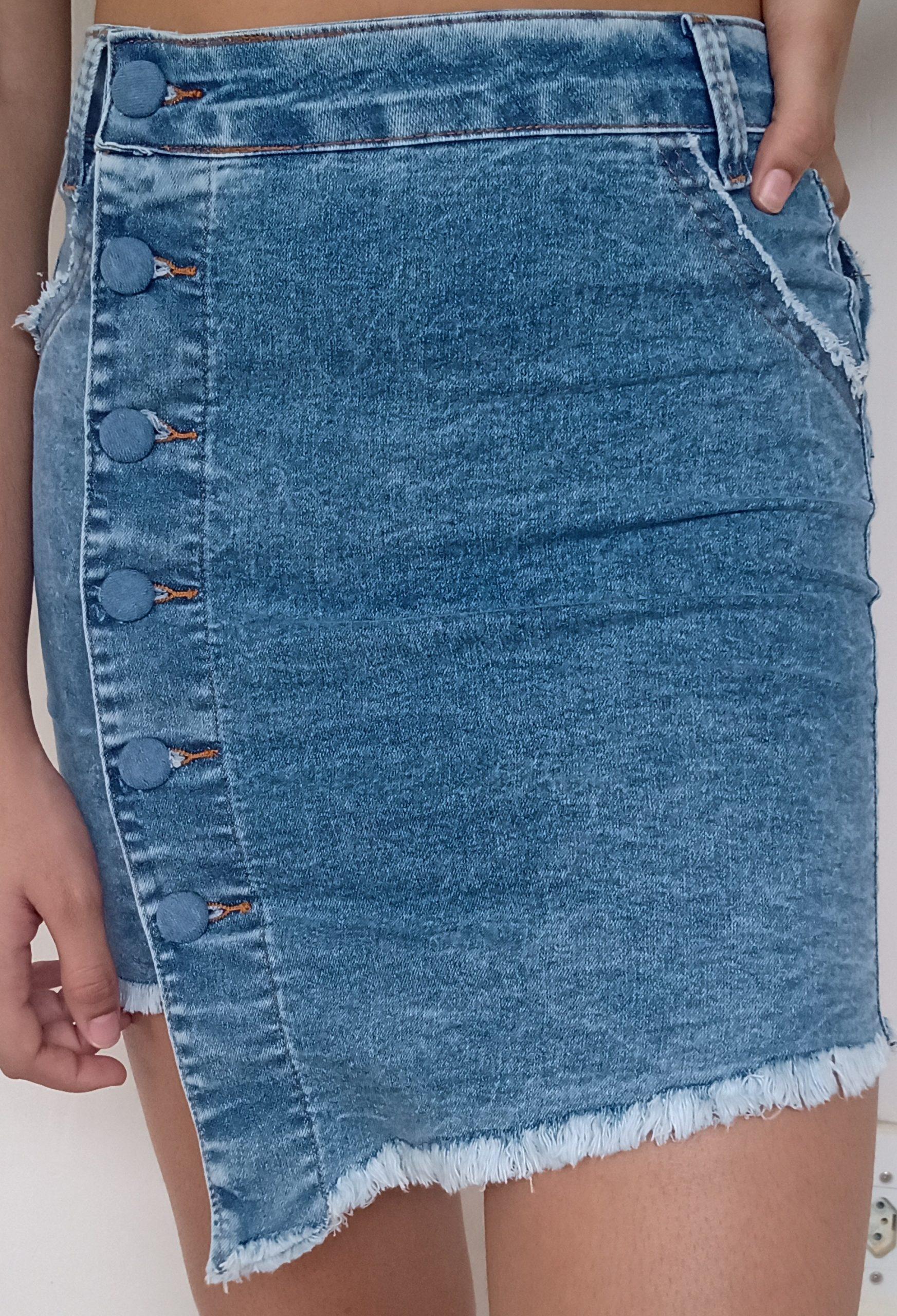 Saia curta jeans com Lycra